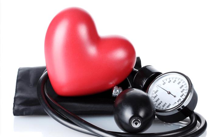 Hipertensão: sintomas, causas e tratamentos