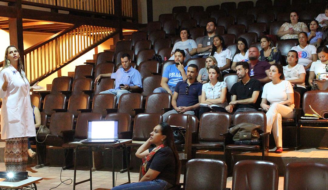 Capacitação orienta colaboradores do HEELJ sobre manejo clínico da dengue