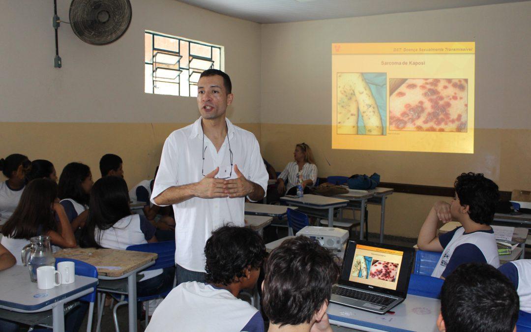 HEELJ promove ações educativas nas escolas de Pirenópolis antes do Carnaval