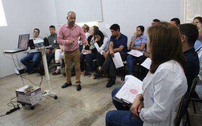 Gestores do HEELJ recebem treinamento com foco na liderança humanizada